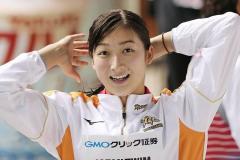 池江璃花子、日大水泳部集合写真に笑顔で登場する回復ぶり