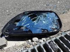 車線変更に激高? 並走車のドアミラーたたき壊した男逮捕