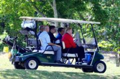 米大統領トランプ氏と5回目のゴルフ、安倍首相自らカート運転