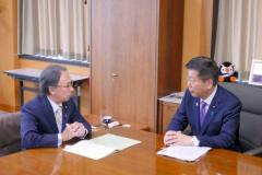 首相、首里城を「全力で再建」玉城知事は閣僚らに要望