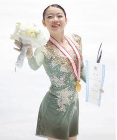 紀平が初優勝、世界選手権へ 樋口2位、川畑が3位―全日本フィギュア女子