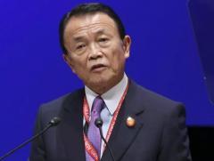 麻生副首相・財務相「現金給付は慎重に」 追加経済対策