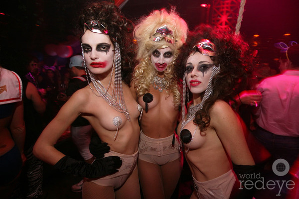 30-56114IMG_6638-103111-carnevil-sexy-halloween-circus