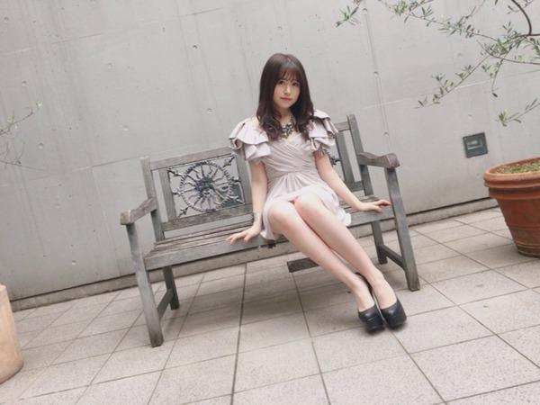 【过激画像】HKT48冨吉明日香超美腿引起话题wwwww