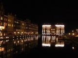 迎賓館が水面に映りなかなかの夜景