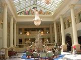 ホテルアムステルダムのロビーは明るい