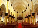 記念教会の内部は美しい