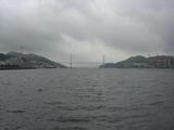 長崎港から女神大橋を眺める