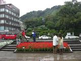 西郷隆盛の銅像前には人が多い