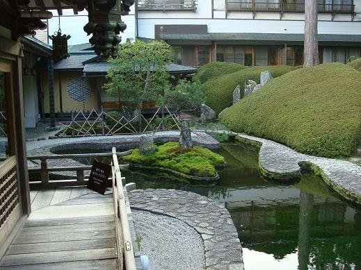 福智院 庭園1