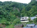部屋からは金龍山から落ちる滝が見える
