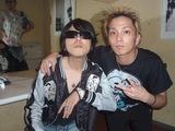 TAKUYAのライブに参加する175RのSHOGO
