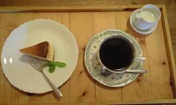 長野県大町のフォレストのチーズケーキセット
