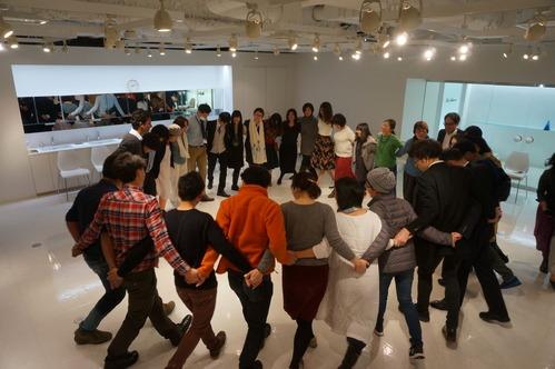 16 Warli dancing 2