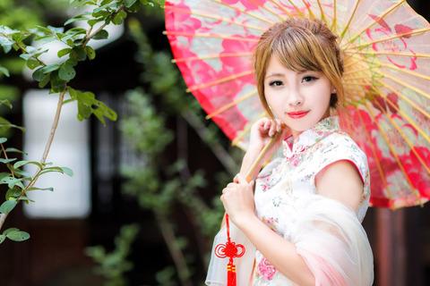 女性チャイナ服