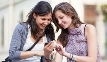 ポケモンGOの平均的ユーザー像は「25歳の大卒の白人女性で年収は約9万ドル(約949万円)」と判明wwww
