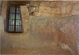 ネガ井寺前壁