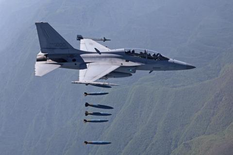 韓国産軽攻撃機FA-50の核心装備、国内での修理可能に