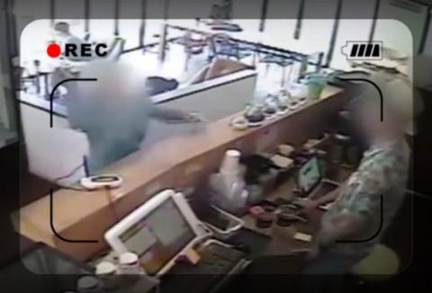 【韓国】韓国人女性が店員にガラスの鉢を投げつけ暴行、そのあきれた理由とは?