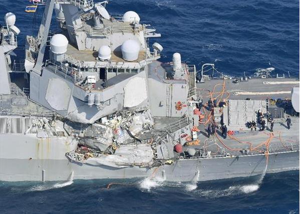 イージス艦船員「友よ許せ…」艦を救うため、苦渋の選択でまだ仲間のいる浸水区を封鎖