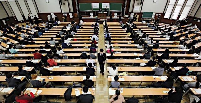 センター試験、不正した男女4人の受験全科目を無効 48人が再試験
