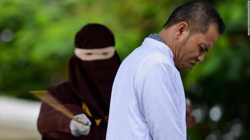 indonesia-flogging-super-169