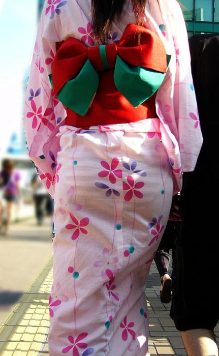 【画像】 夏祭りに「安物の浴衣」を着て来た女の子はこうなるwwwwwwwwwww(※画像あり)