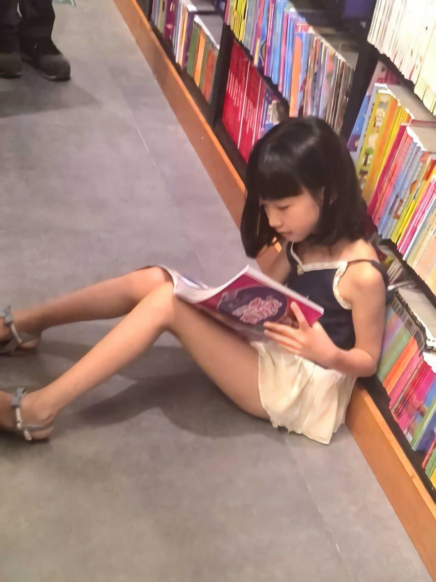 街で見かけた女子小学生  Part.38 YouTube動画>8本 ->画像>1831枚