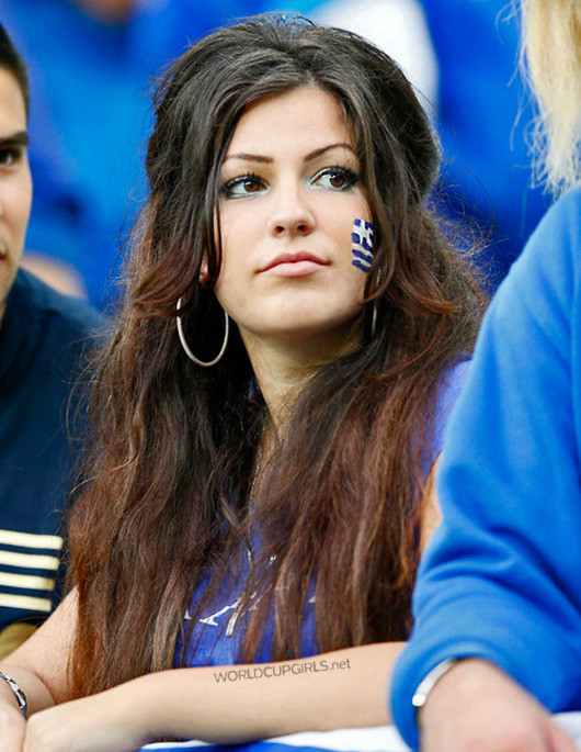 greek-girl_world-cup-2014_02