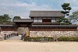 260px-Matsushiro_Castle_20100919-01