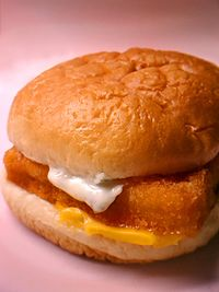 McDonald's_Filet-O-Fish_sandwich_(2)