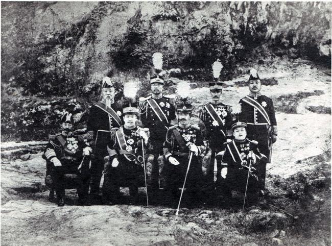 Yoshihito_in_korea_1907