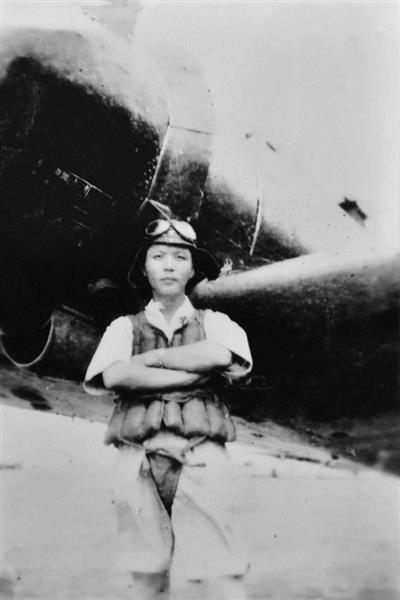 【京都/話題】ゼロ戦「我敵艦に必中突入中」打電後、米駆逐艦ヘイゼルウッドが大破炎上 米の映像で特攻の最期特定 京都の慰霊祭で上映