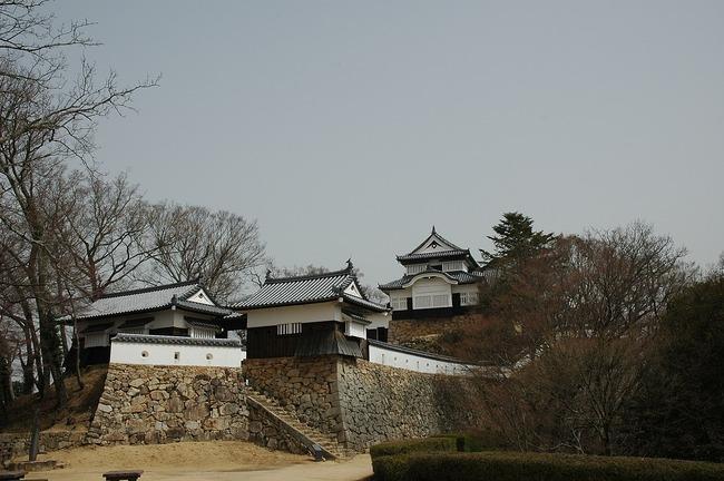1280px-Bitchu_Matsuyama_Castle_1