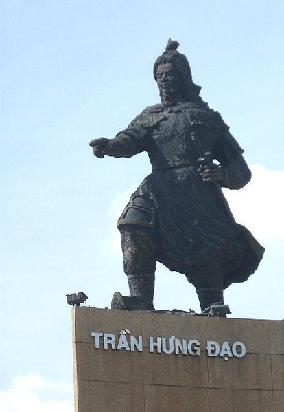 414px-Tranhungdaosta