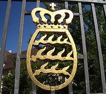 220px-Altshausen_Schloss_Wappen_Haus_Wuerttemberg_2005