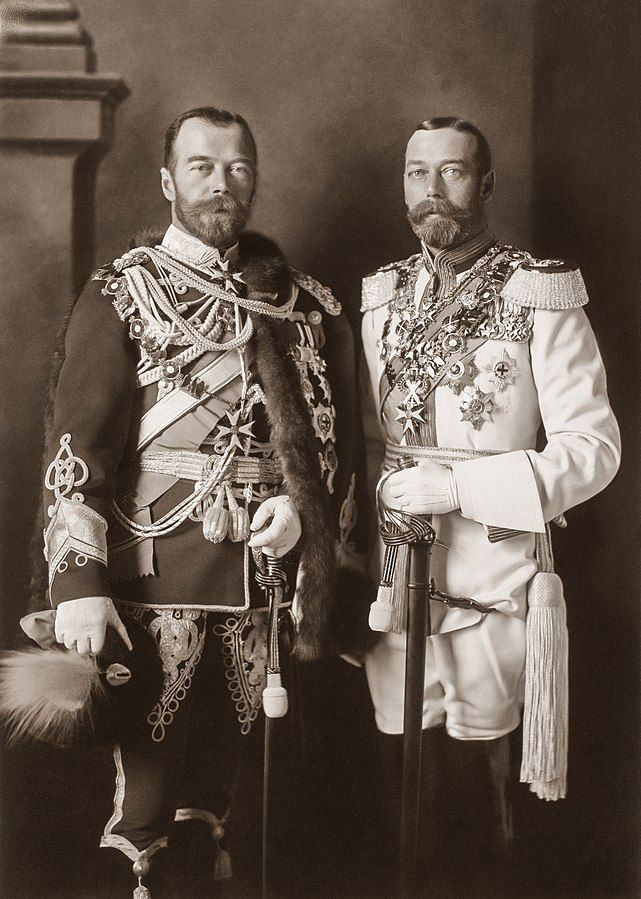 641px-George_V_and_Nicholas_II_in_Berlin,_1913