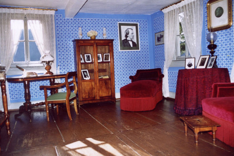 Brahmshaus_02_front_large