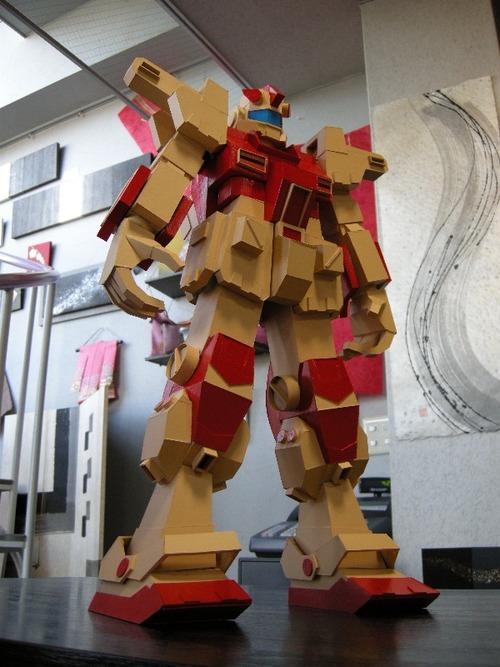 紙製のロボット