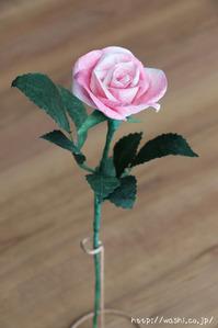淡いピンク系和紙バラ