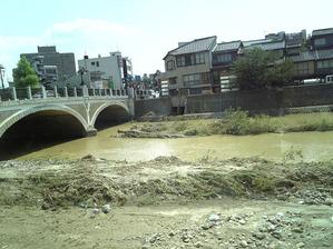 2008年7月28日「浅野川の氾濫」 東山周辺
