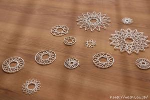 紙糸を使ったクリスマスオーナメント作り(オーナメント完成品)