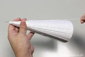 【DIY 和紙照明・あかり】製作開始(3:糊を染み込ませた紙糸を型に巻き付けていく) (1)