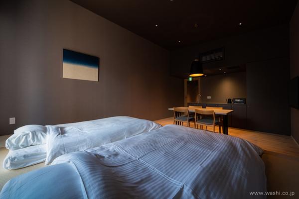 ゆるやかな時間を過ごせる 群青色の和紙アートパネル−Washi(Japanese Paper) Modern Wall Art Panel (弥生の間)