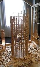 木を積み立てて作ったタワー