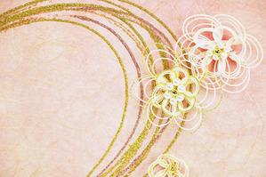 紫や金のラメ入り樹脂ラインと、お花の水引飾り