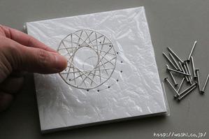 紙糸を使ったクリスマスオーナメント作り(乾燥したら完成です)