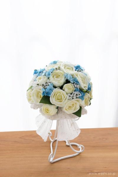 結婚1周年に再現ブーケのプレゼント「白バラと小花の和紙の花束・アニバーサリーブーケ」