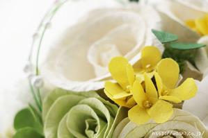 菜の花とバラの和紙の花束・ブーケ(結婚記念日・紙婚式のプレゼント)花部アップ