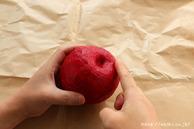 全体に和紙を貼る(リンゴ型オブジェの作り方)3